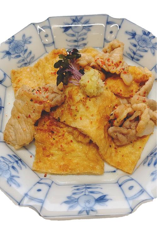 お揚げと豚肉の生姜焼き料理写真